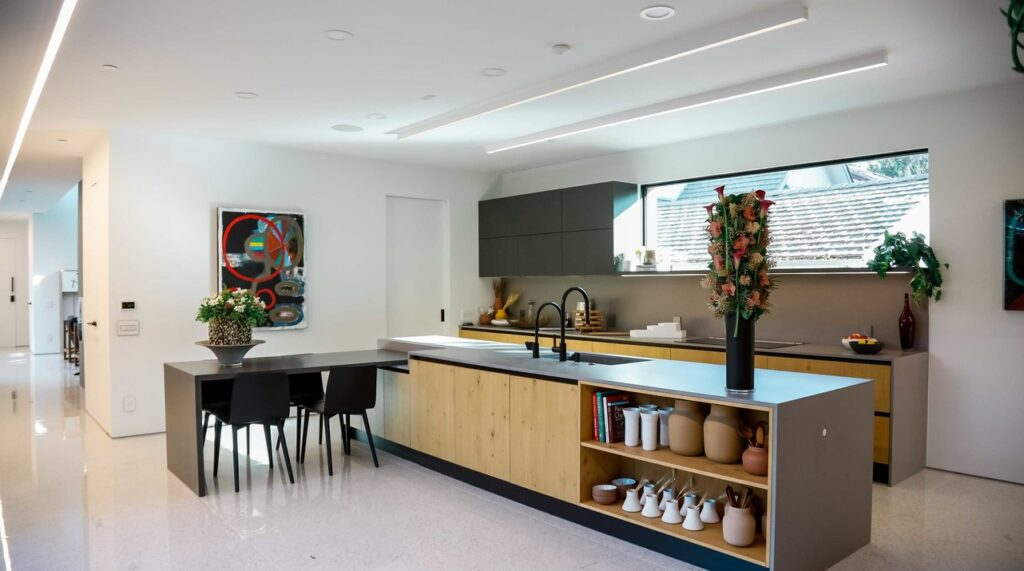 Modern Galley Kitchen in Caesarstone 4003 Sleek Concrete   2088