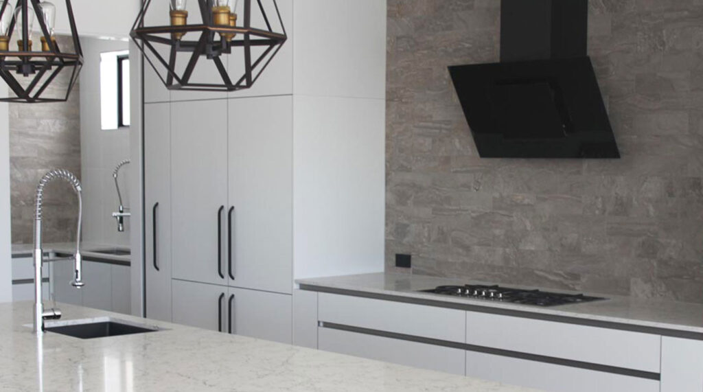 Modern L-Shape kitchen with Island in Caesarstone 5143 White Attica   3018